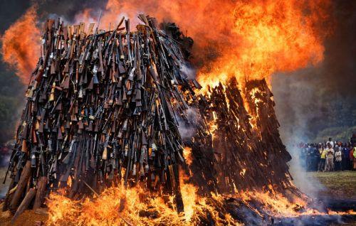 burning-guns-in-kenya